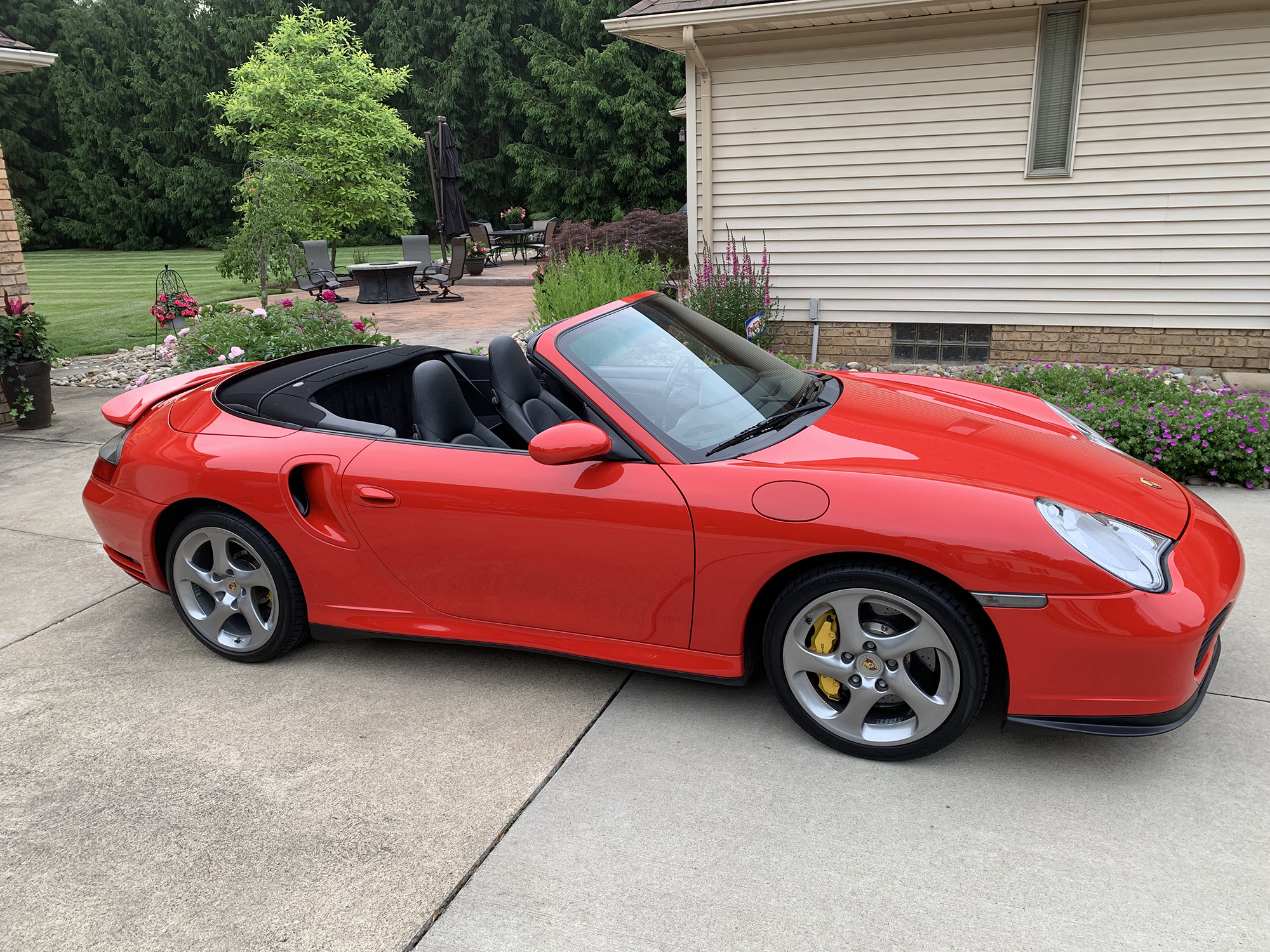 2005 Porsche 911 Turbo S Cabriolet in Guards Red