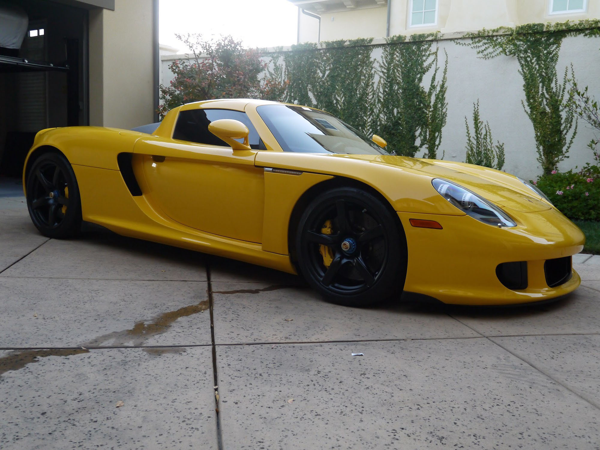 2005 Porsche Carrera GT in Fayence Yellow