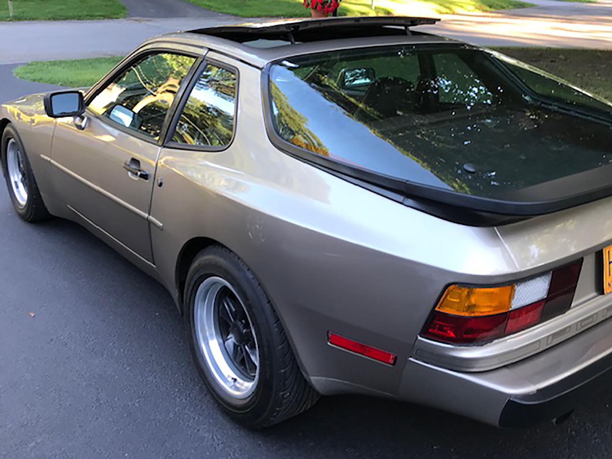 1984 Porsche 944 Coupe