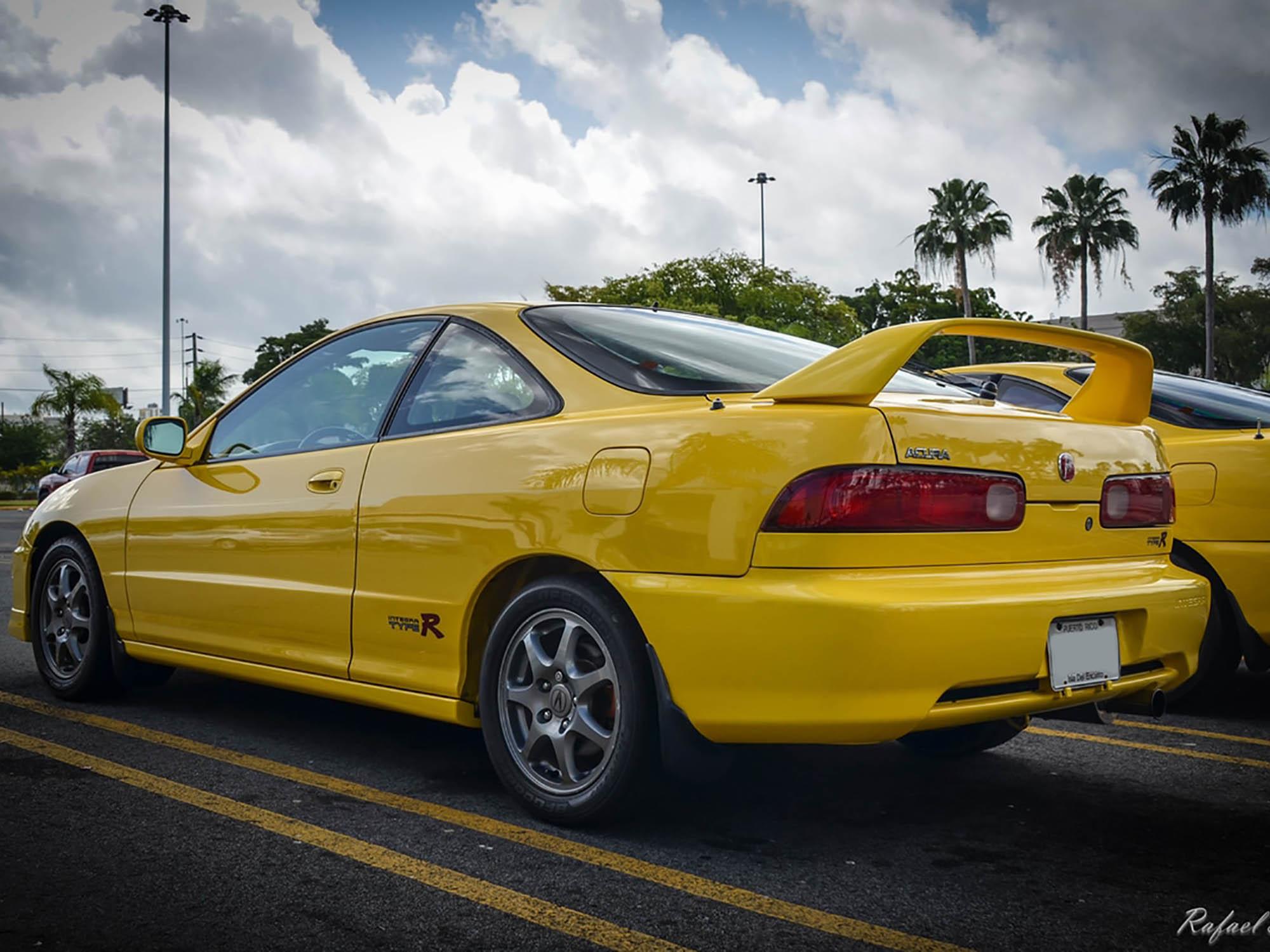 2000 Acura Integra Type-R in Phoenix Yellow