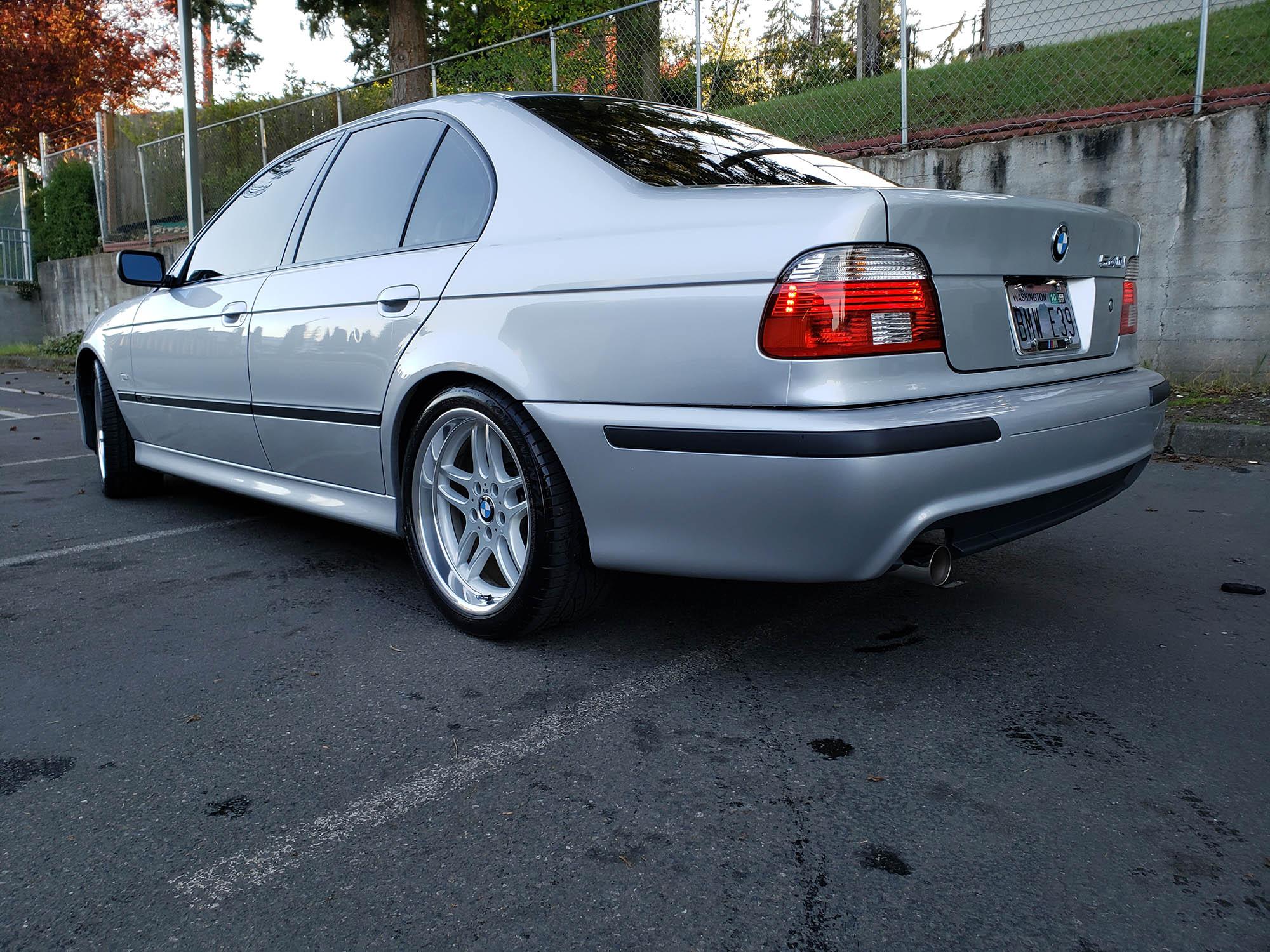 2003 BMW 540i Sedan
