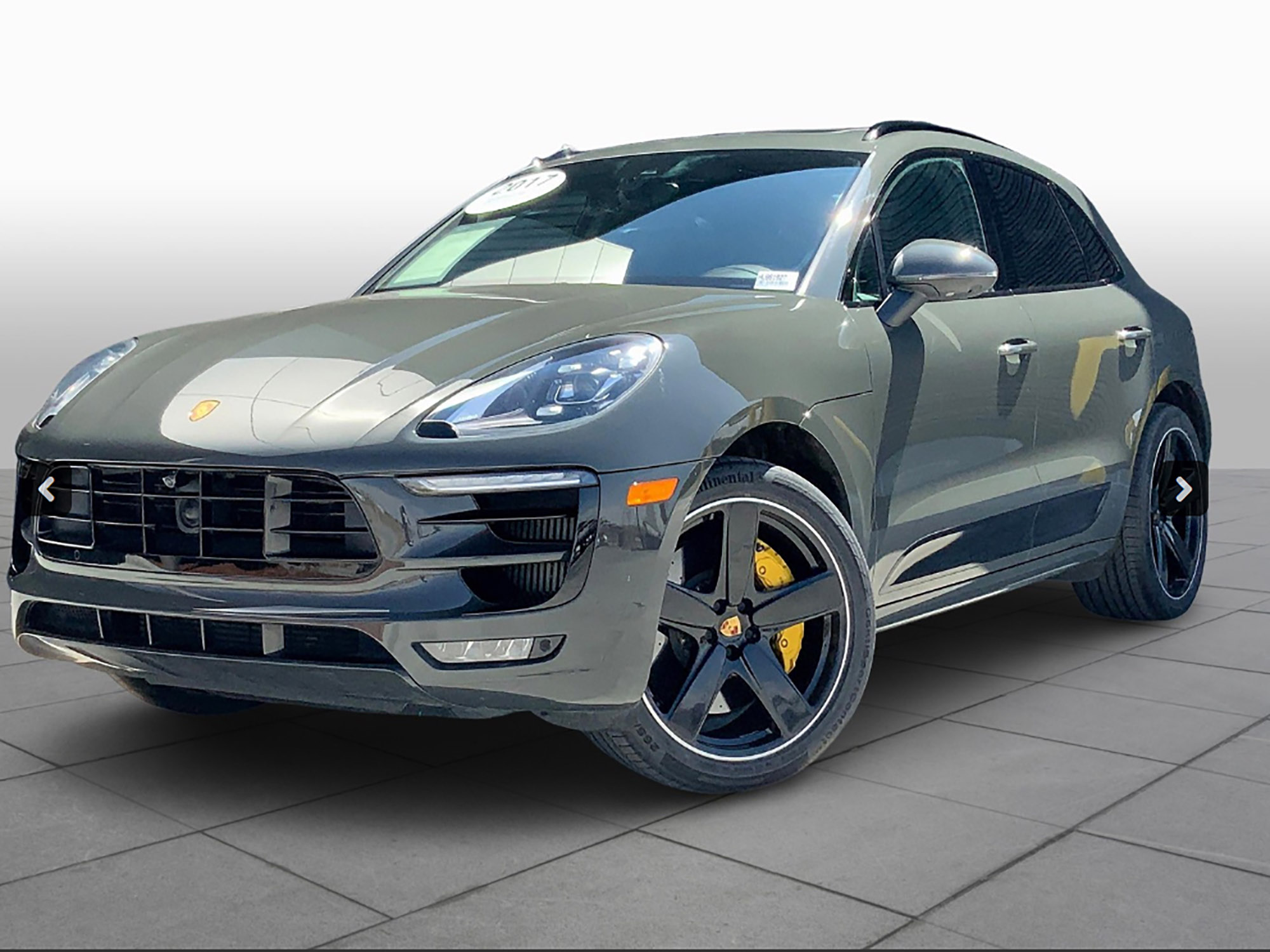 2017 Porsche Macan Turbo w/ Performance Package
