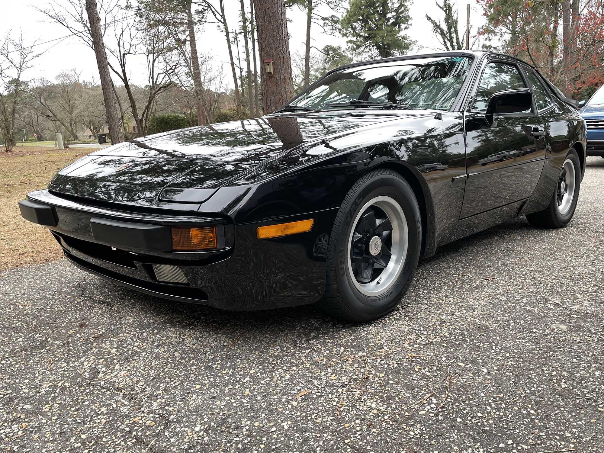 1985 Porsche 944 Coupe
